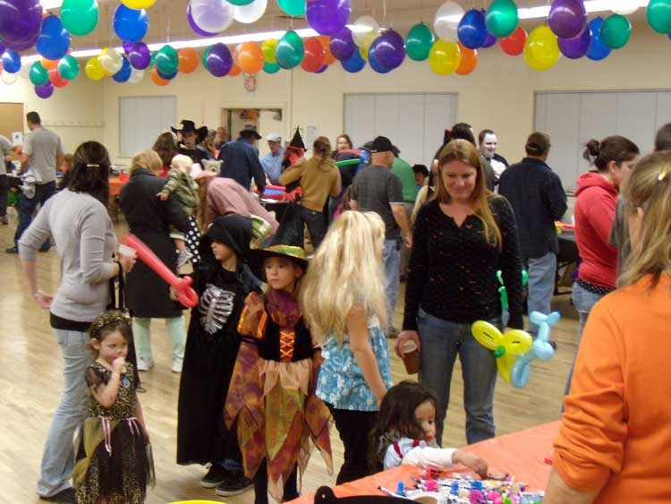 organizing a halloween kids party tips